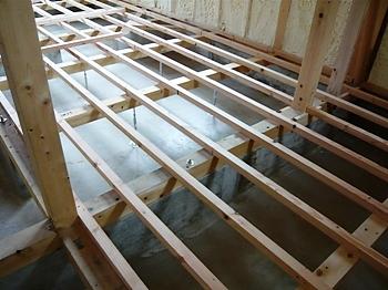 1階床組み