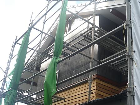 アスファルトフェルト防水及びリブラス網の施工