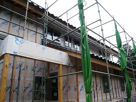 壁体内通気用タテ胴縁を施工
