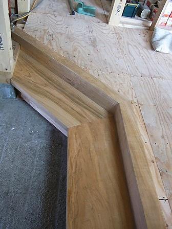 玄関上がり框と式台