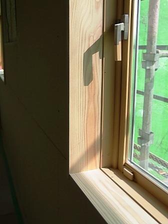 杉無垢板の窓枠