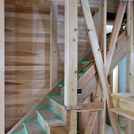 壁杉板貼り