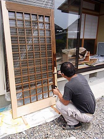 建具塗装作業