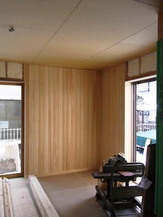 ヒノキ無垢板壁