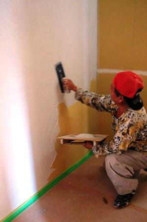 壁の珪藻土塗り