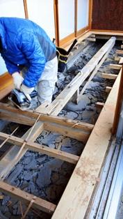 床が抜けそうなお宅の緊急改修工事