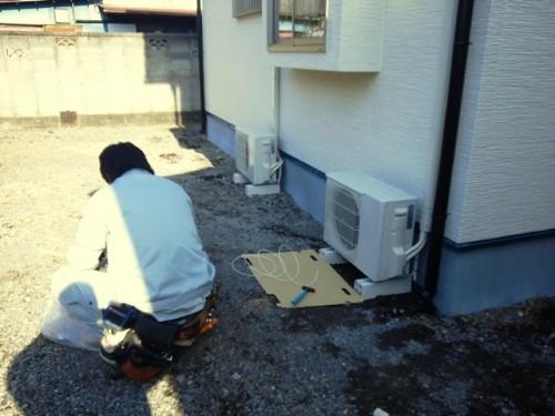 エアコンの室外機設置工事