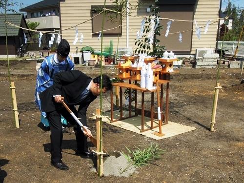 地鎮祭・斎鋤(いみすき)