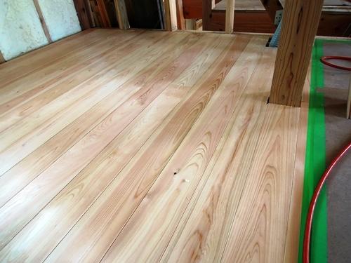 ヒノキの無垢床材