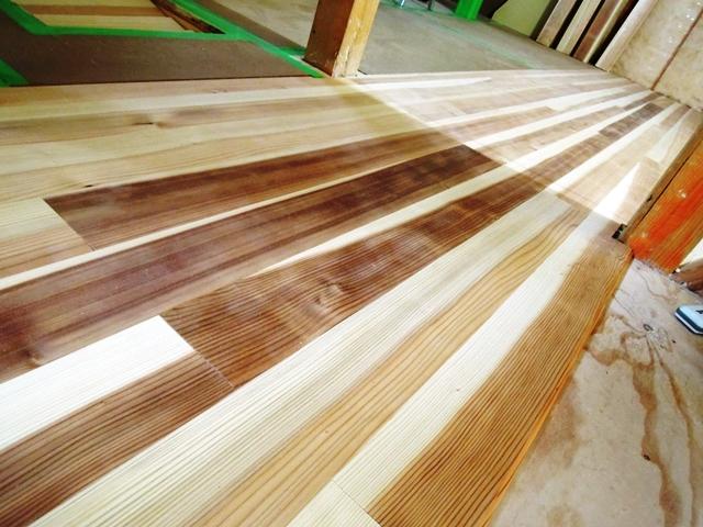無垢材 杉板フローリング